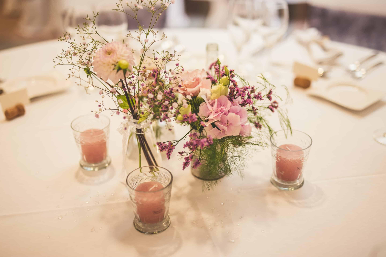 temps-de-reve-champetre-mariage-centre-fleuri-table