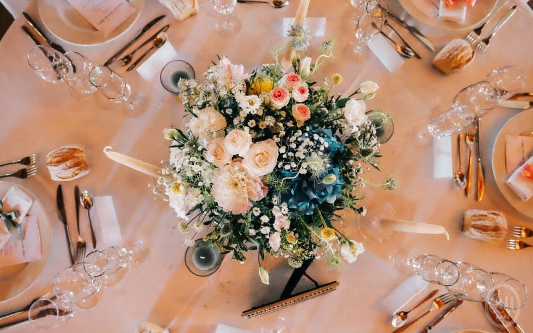 Centre de table hortensia, dalhia, roses