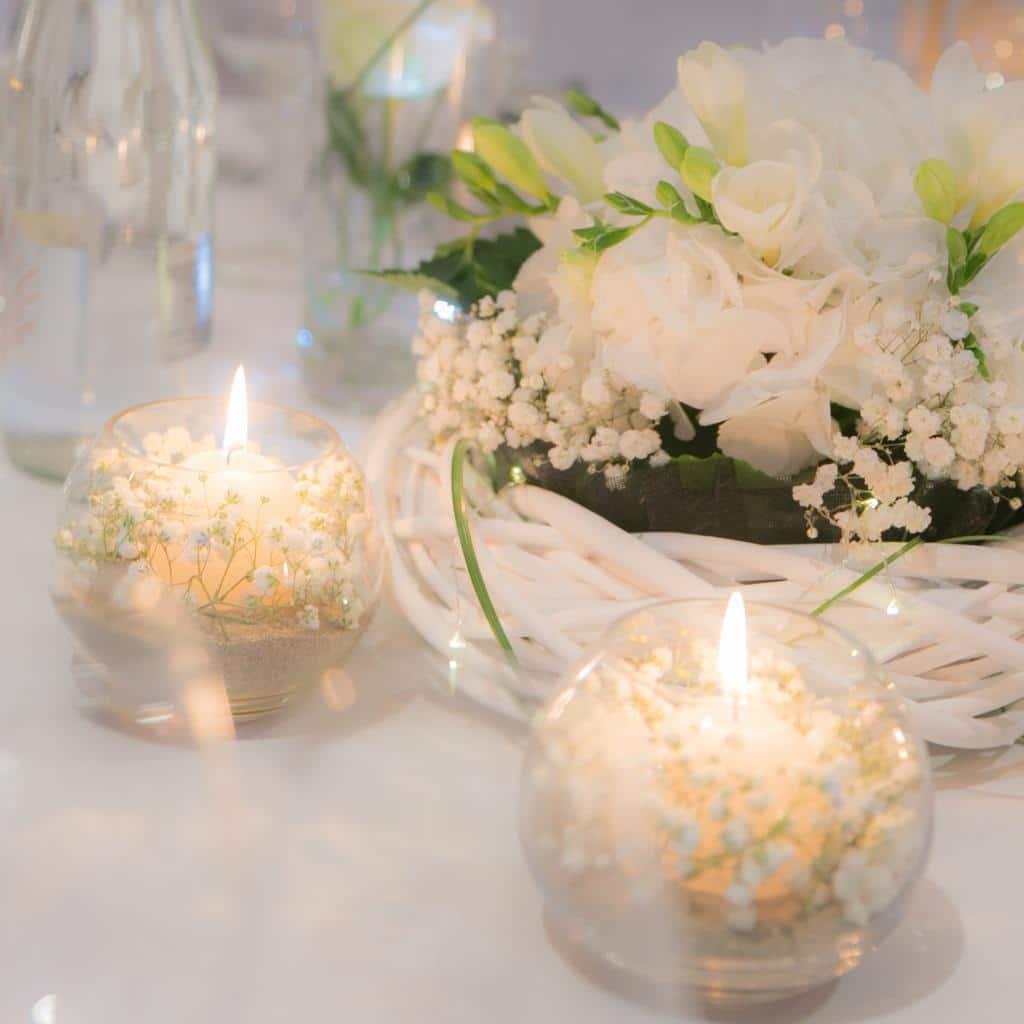 Comment Faire Un Centre De Table Avec Des Fleurs comment faire une belle décoration pour les tables de son