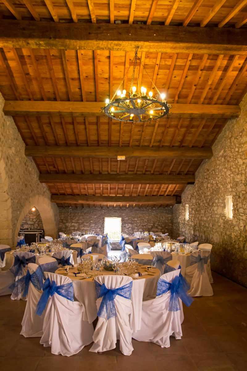 mariage bleu et blanc - bergerie de Camplazens